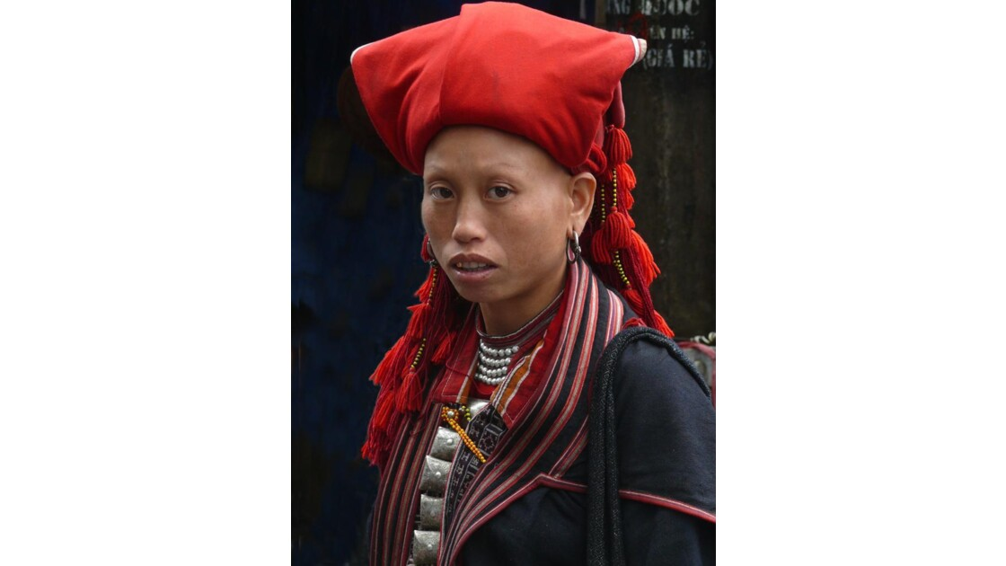 Jeune fille Dzao à Sapa