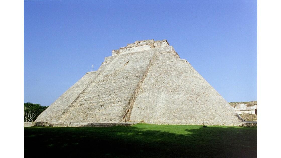 Mexique Uxmal Grande Pyramide 2