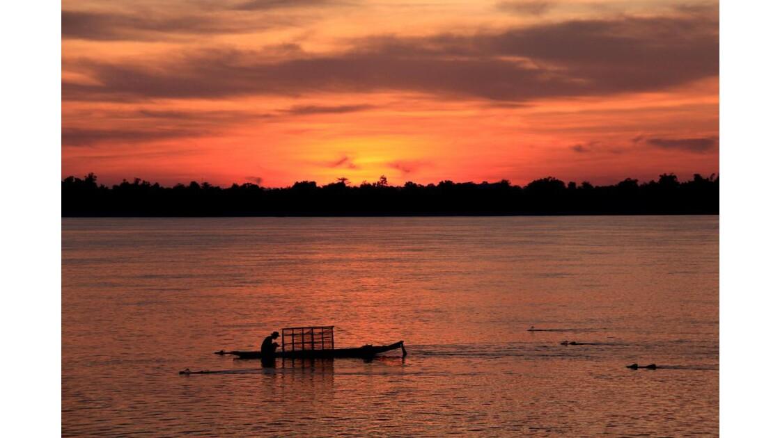 pêcheur à l'aube,champasak