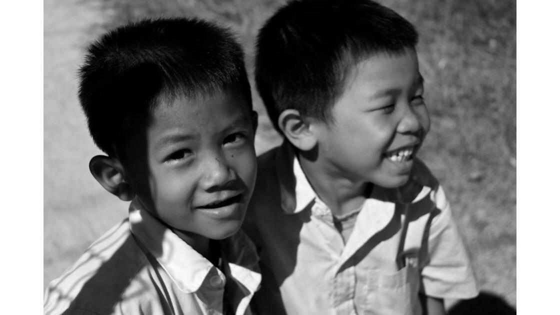 écolier à don khong