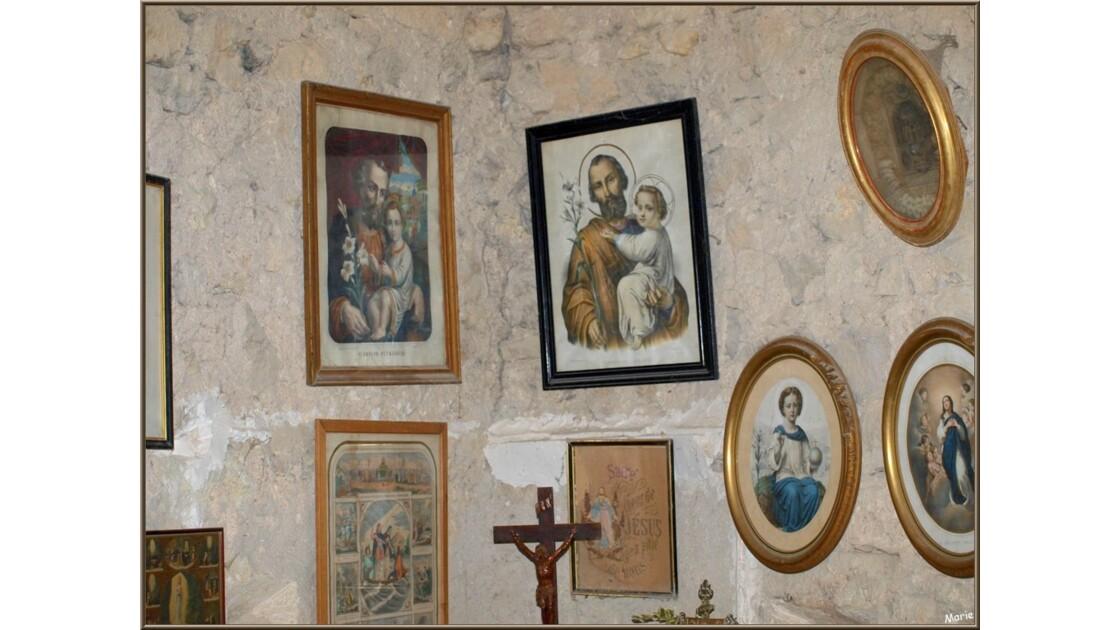 Le château, la chapelle et ses tableaux