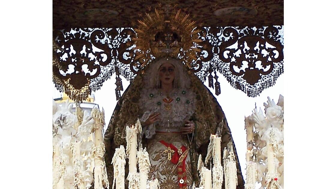 une vénération pour la Vierge