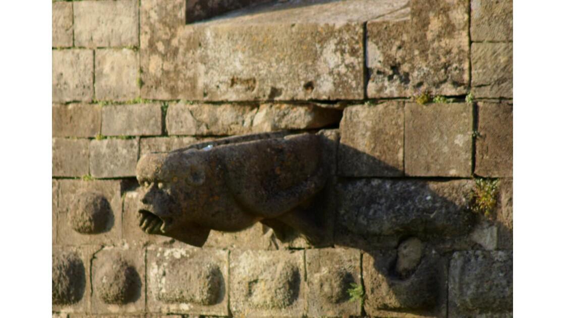 gargouille de la tour du petit- sault