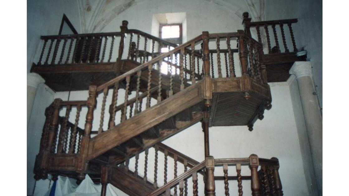 L'escalier du chateau de Coulonges (79)