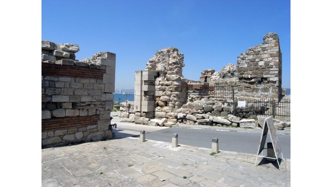 Bulgarie Nessébar Porte fortifiée