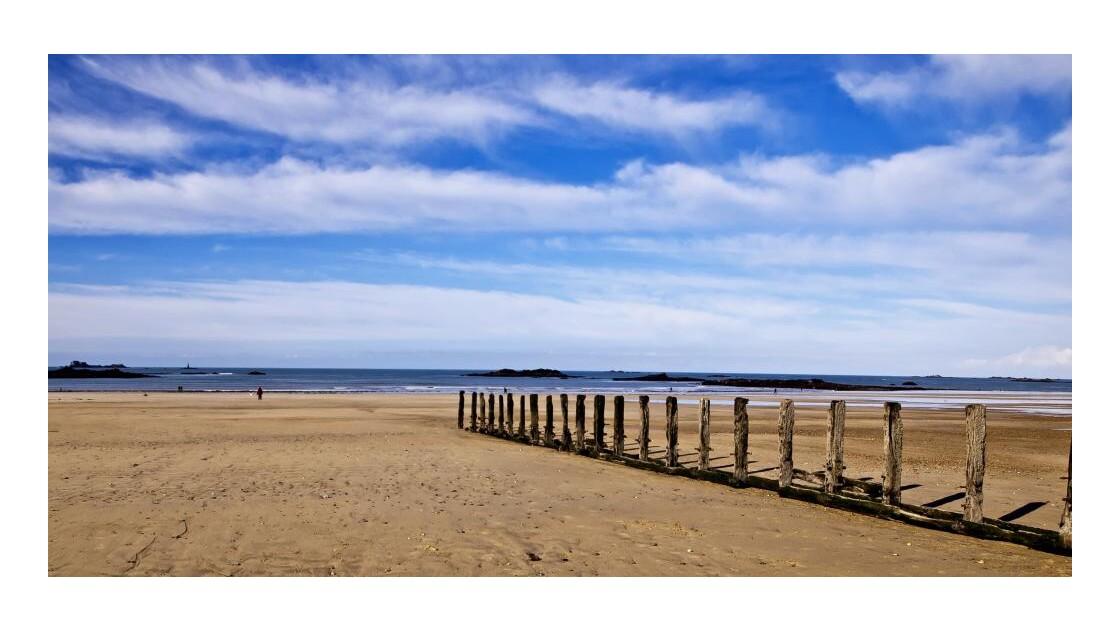 Saint Malo la plage en hiver (1000e pho