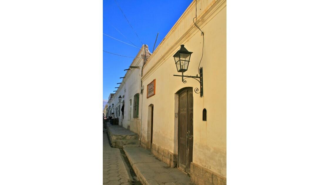 Cachi: rue du village