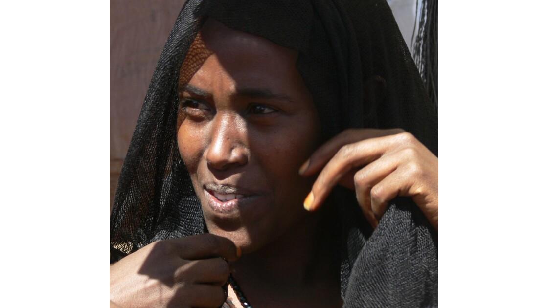 Femme au marché de Bati