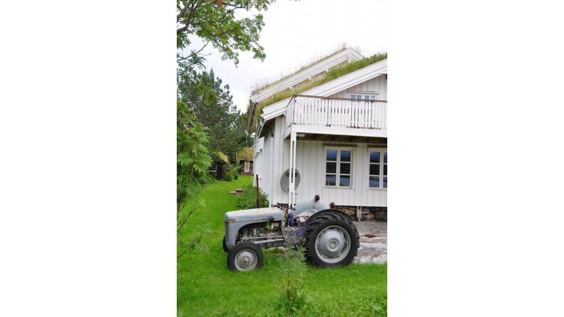 Pour_mon_fils___un_tracteur___.JPG