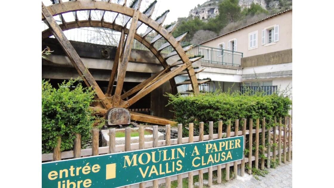 Moulin___papier_fontaine_de_vaucluse_2.