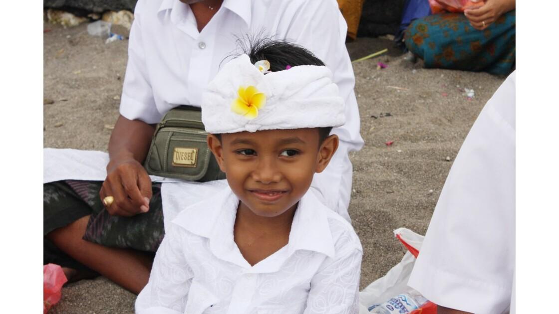 Enfants__Aux_Ceremonies_Bali_2011_00033