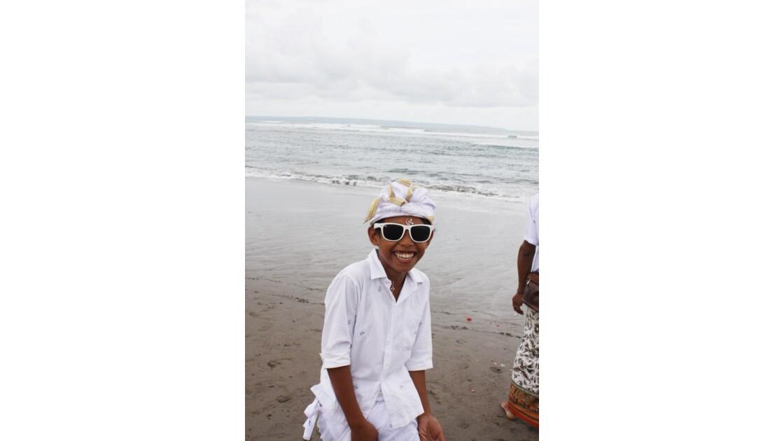 Enfants__Aux_Ceremonies_Bali_2011_00036