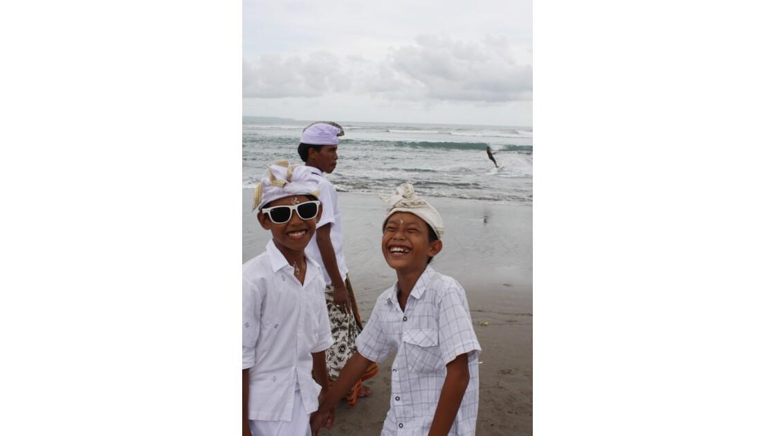 Enfants__Aux_Ceremonies_Bali_2011_00037
