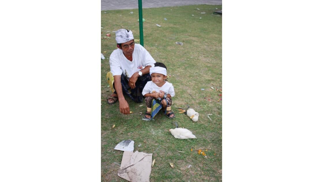 Enfants__Aux_Ceremonies_Bali_2011_00048
