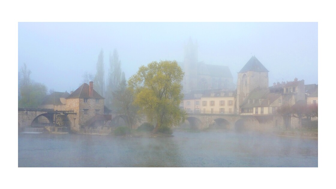 Moret sur Loing sous la brume