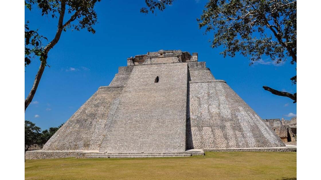 Uxmal, pyramide du devin