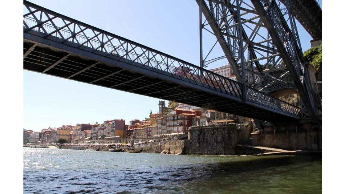 """""""En passant sous le pont ..."""""""