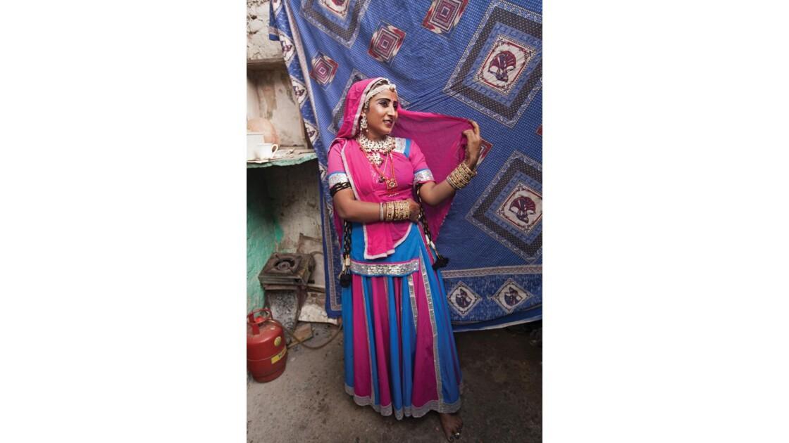 Danseuse Bhavai de Jhuggi Jhopri