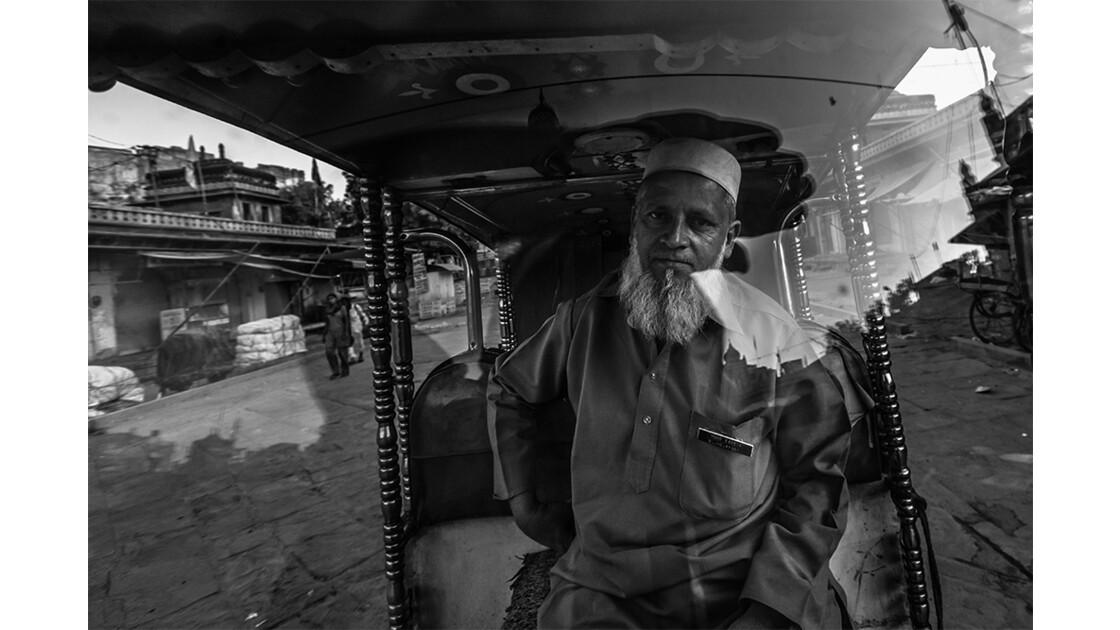 Conducteur d'autorickshaw de Jodhpur.