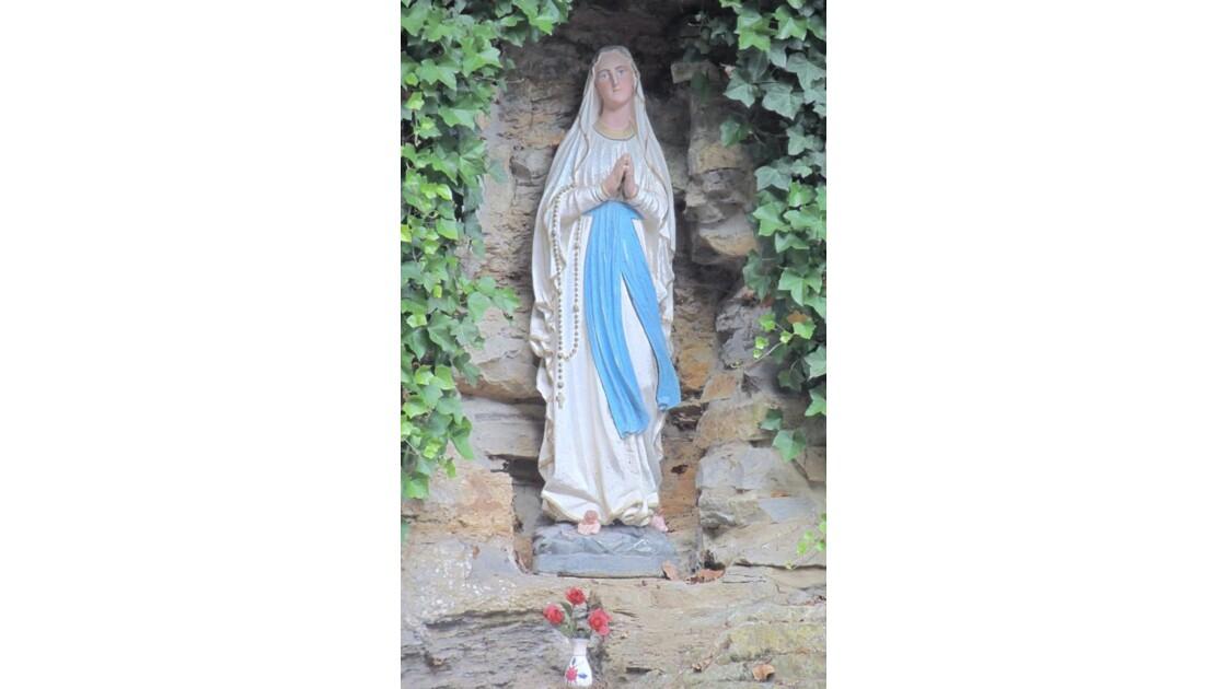 Marie !Grotte Notre-Dame de Lourdes