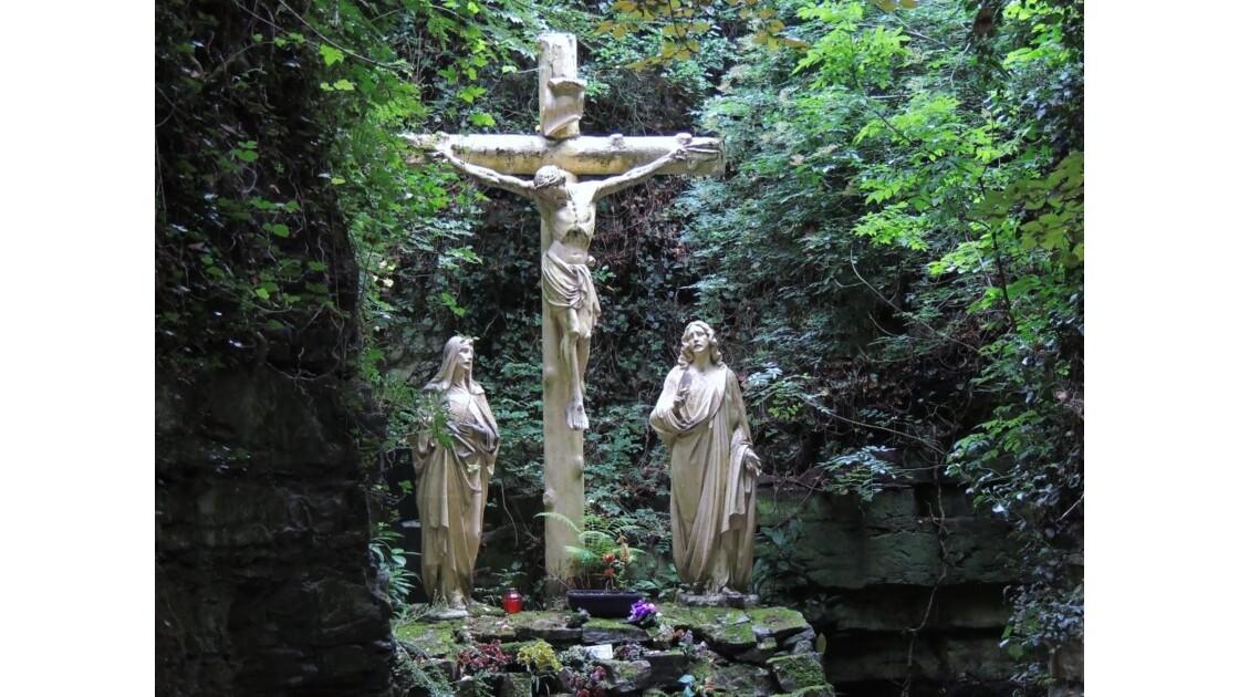 la croix Grotte Notre-Dame de Lourdes