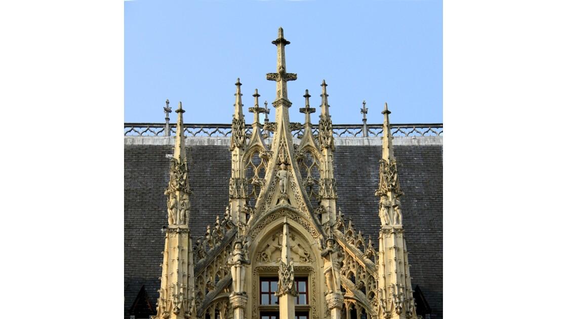 Palais de Justice de  Rouen details.