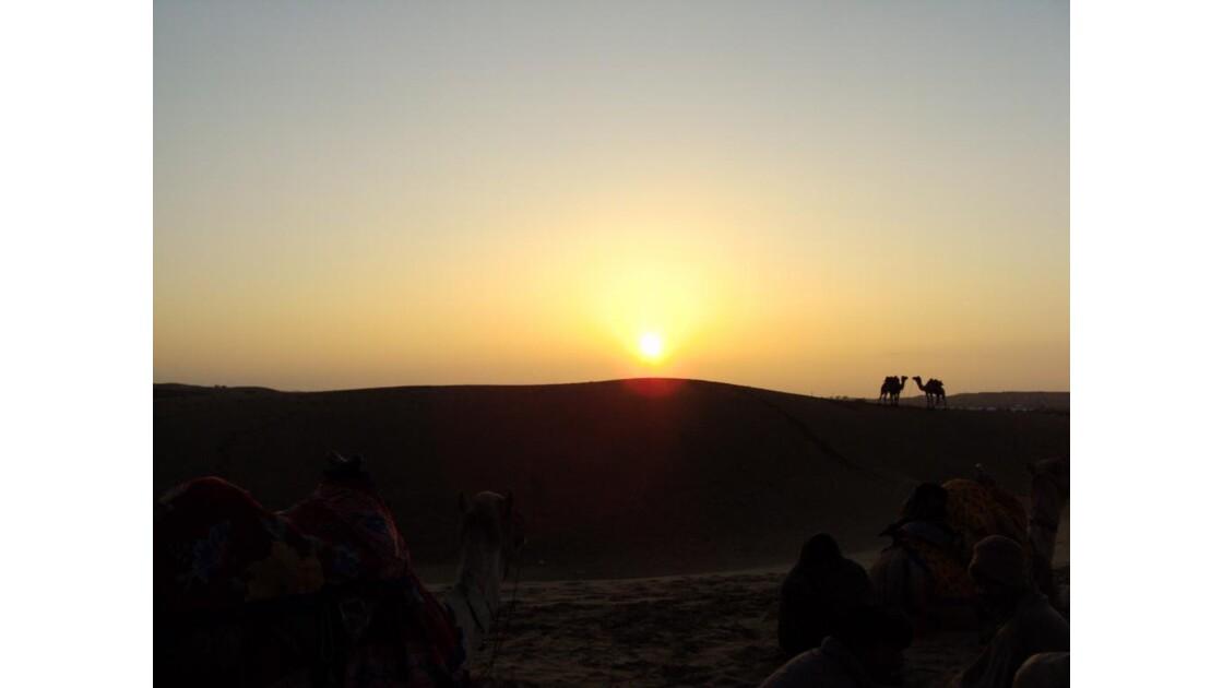 soleil_couchant_sur_les_dunes_du_Thar.J