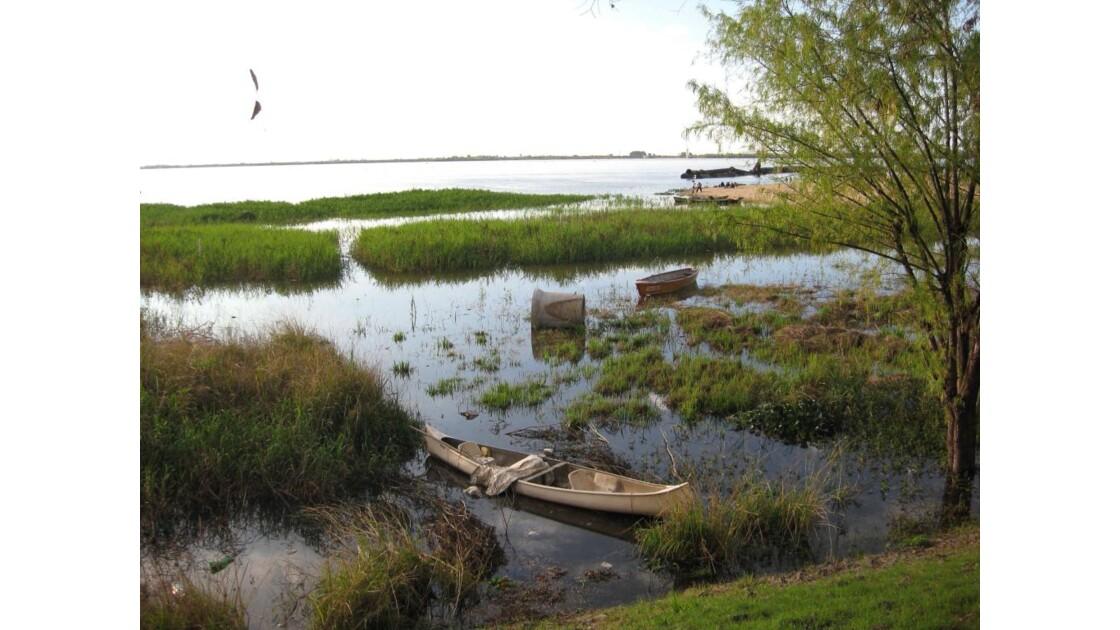 Une barque sur le Paraná