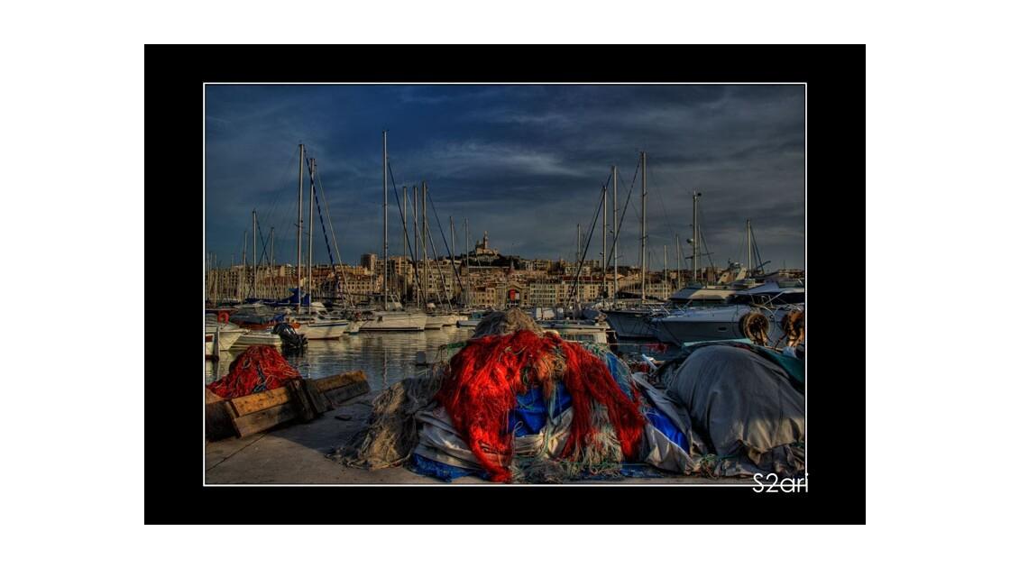 Marseille___vieux_port_par_Karim_SAARI.