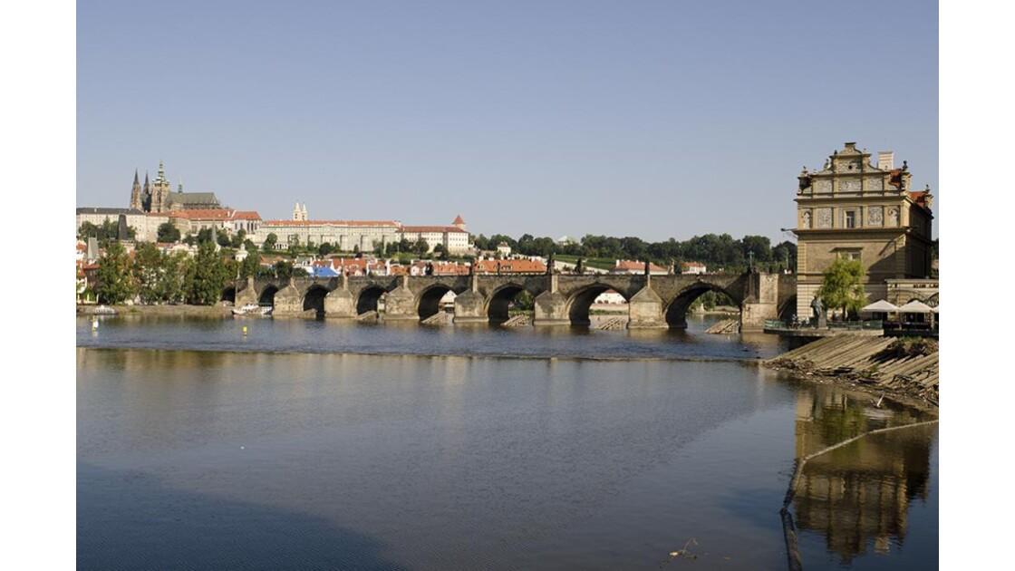 Le pont Charles sur la Moldau