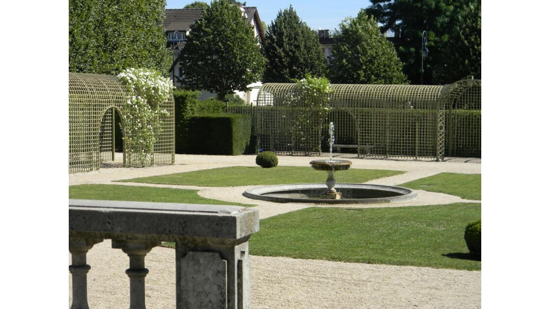 chateau_aire_de_promenade.jpg