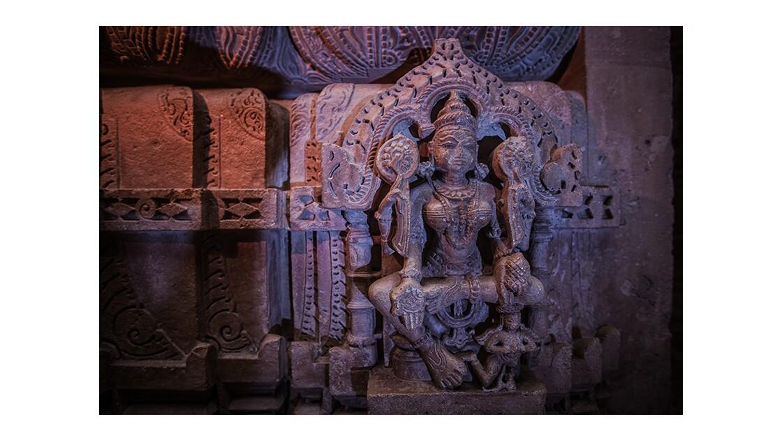 Sculpture du temple de Chandraprabhu