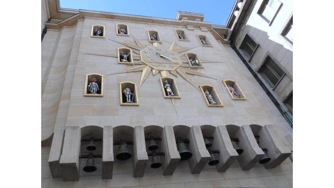 les cloches du carillon du Mont des Art