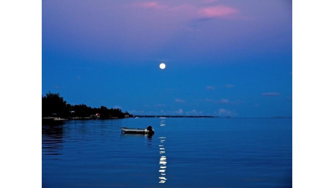 Claire de lune sur Rangiroa