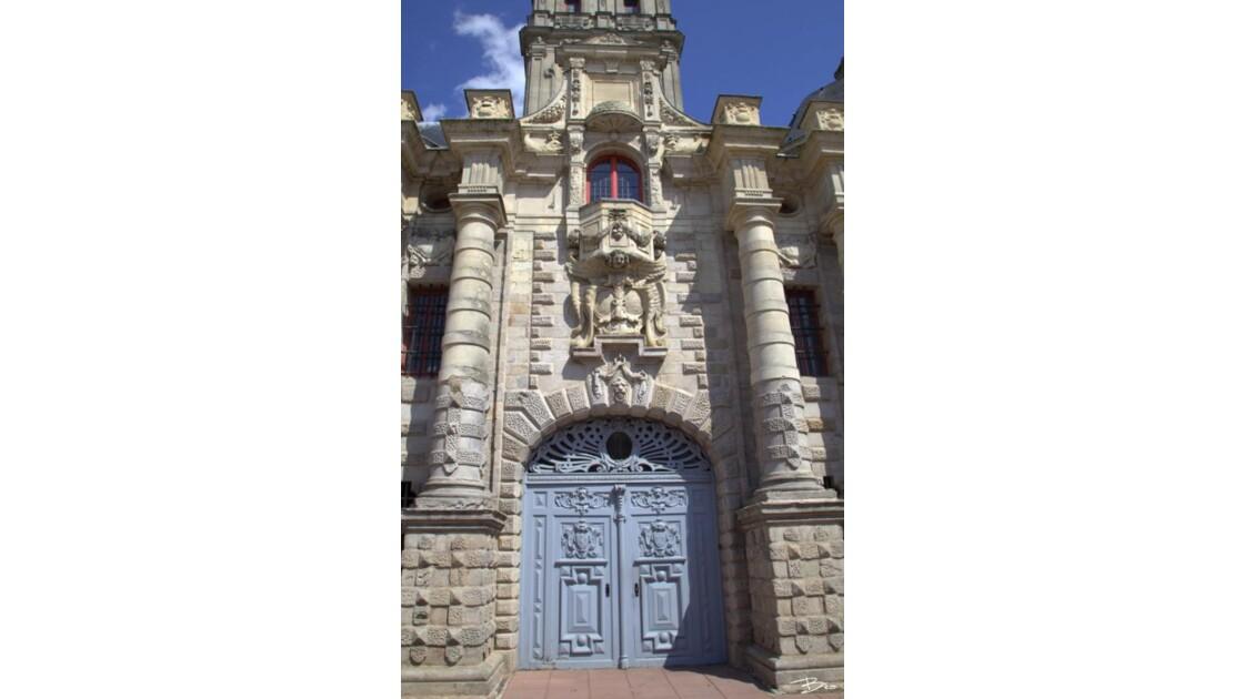 La Tour  Abbatiale :Porte de l'Abbaye