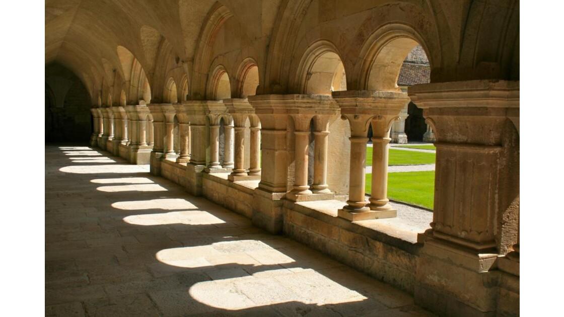 Fontenay: galerie Est du cloître