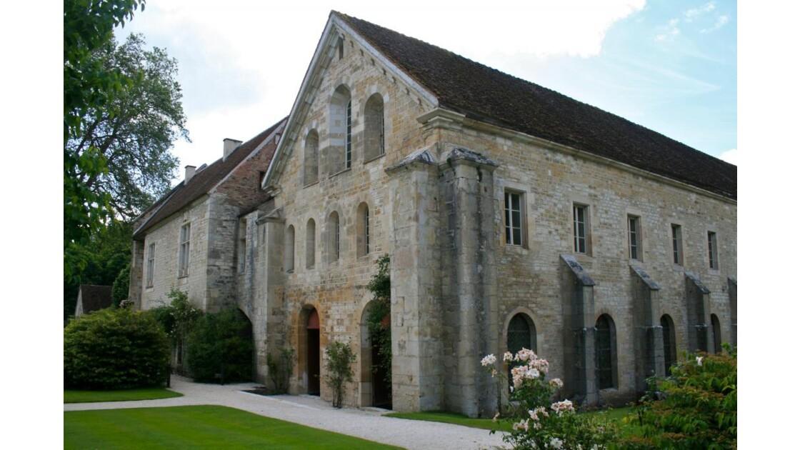 Fontenay: dortoir et salle des moines