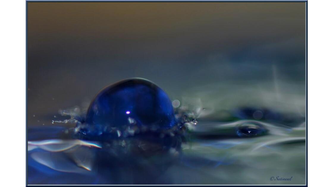 Le saphir bleu...