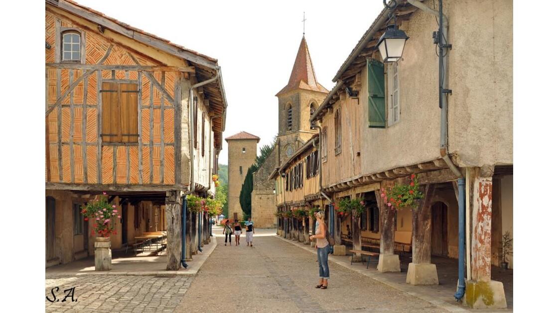 Rue principale de Tillac