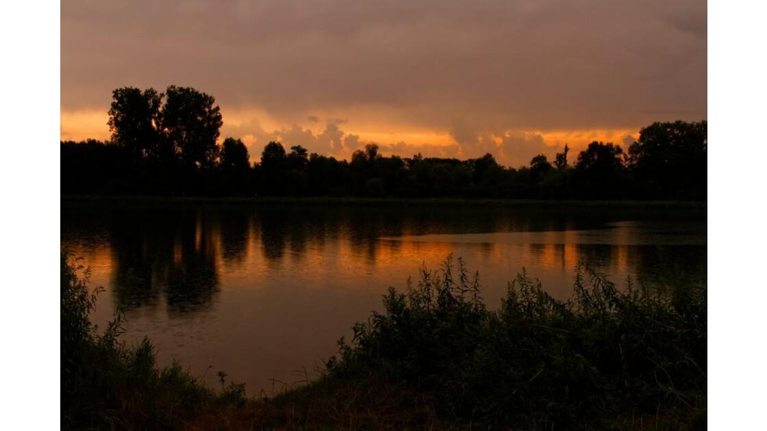 A l'aube au bord du Rhin