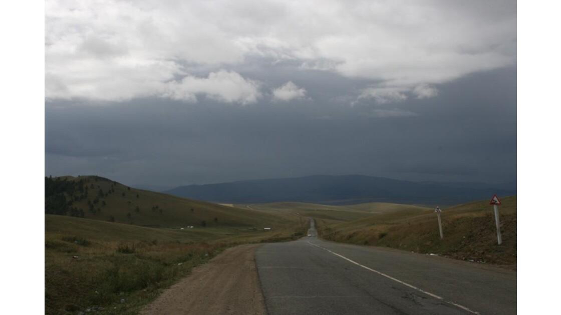 paysage et route mongols