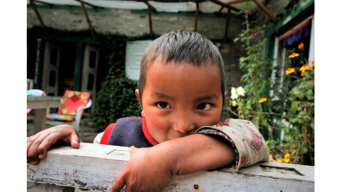 Enfant près de Lukla