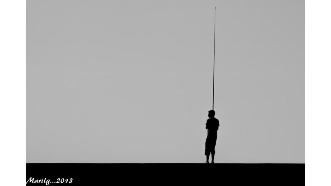 Pêcheur sur le Môle des noires St Malo