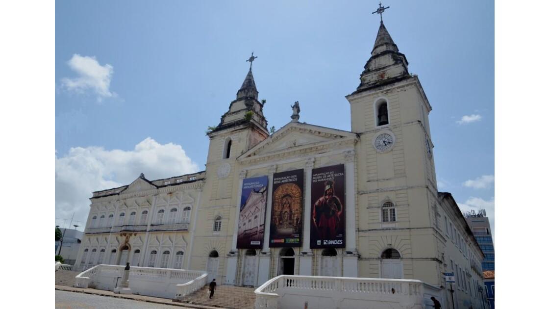 La cathédrale de São Luis...