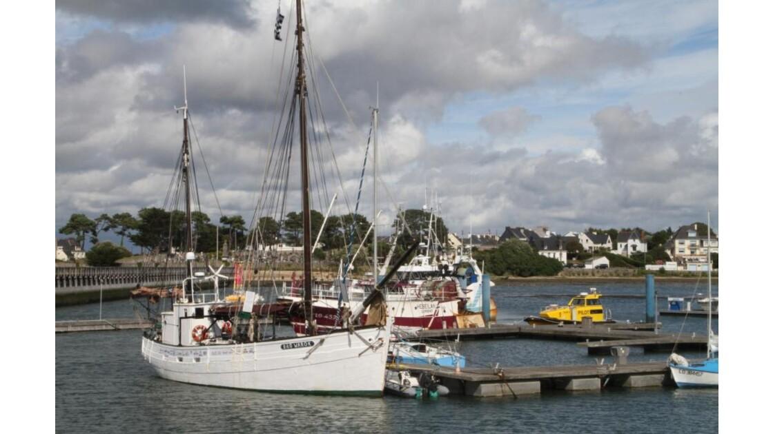 """""""Bateaux au port ..."""""""
