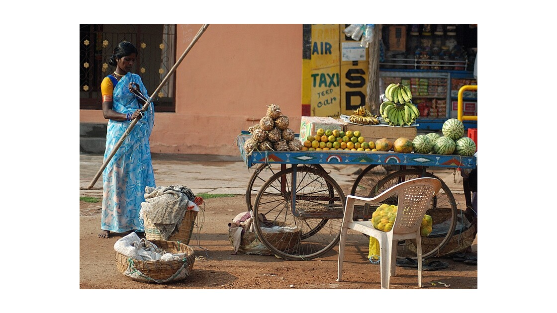 Vendeuse de fruits à Hampi