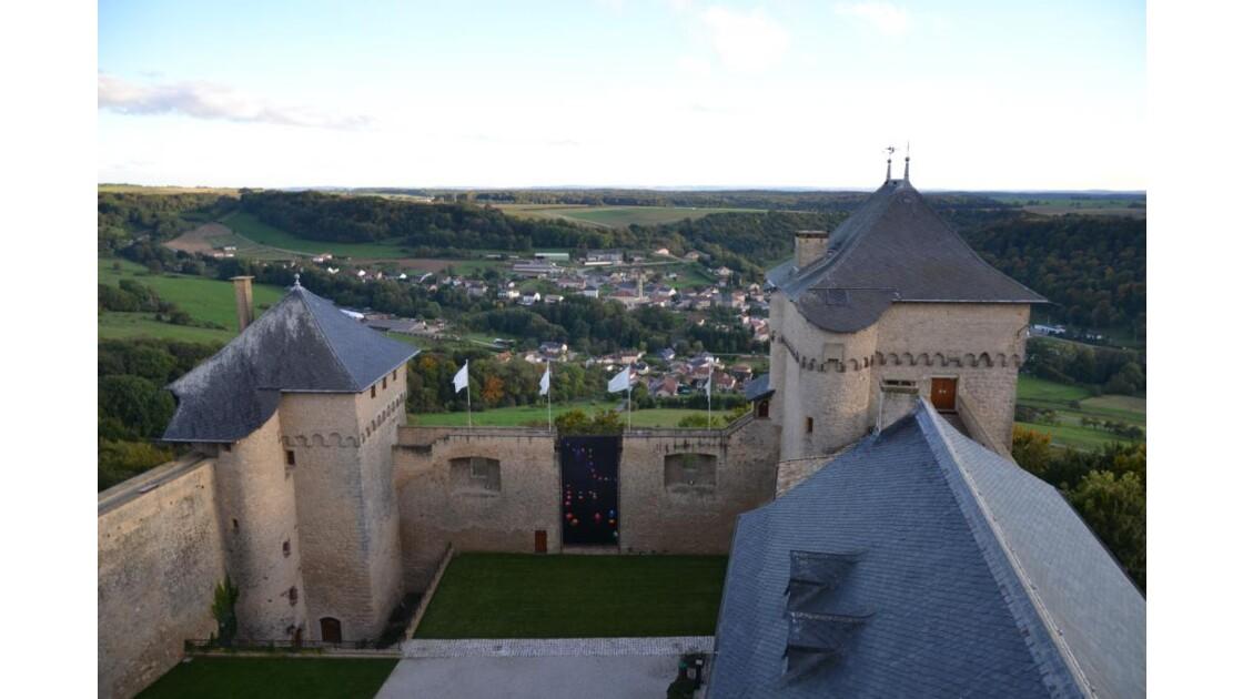 vue de la tour au chateau de malbrouck