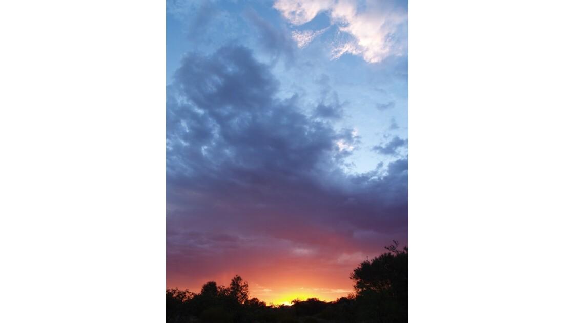sunset on karijini national park