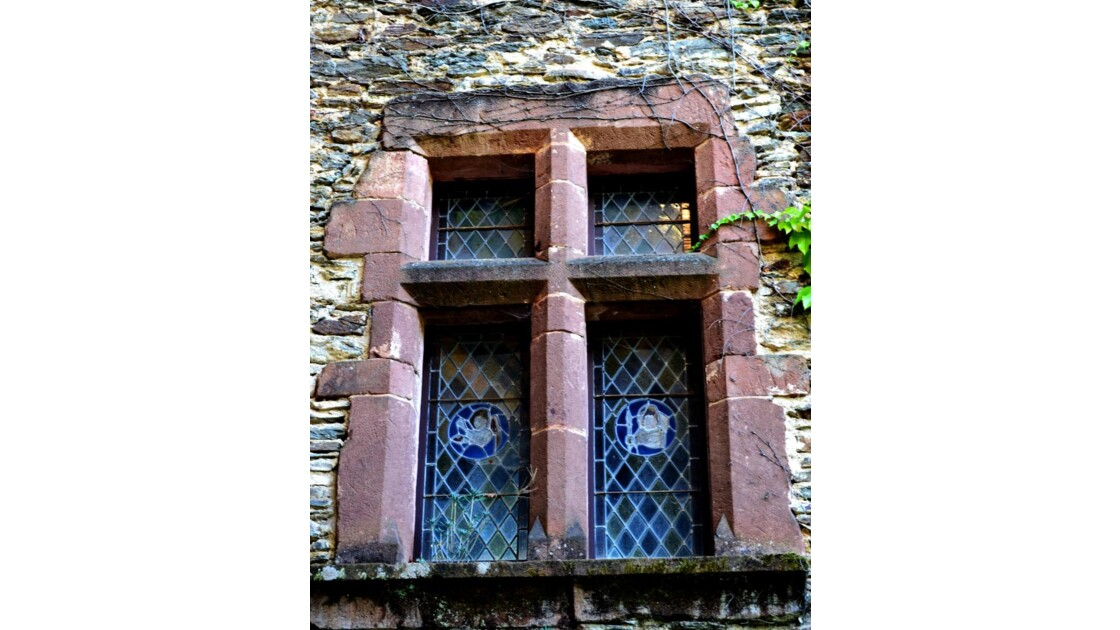 Fenêtre à vitraux du 15e-16e