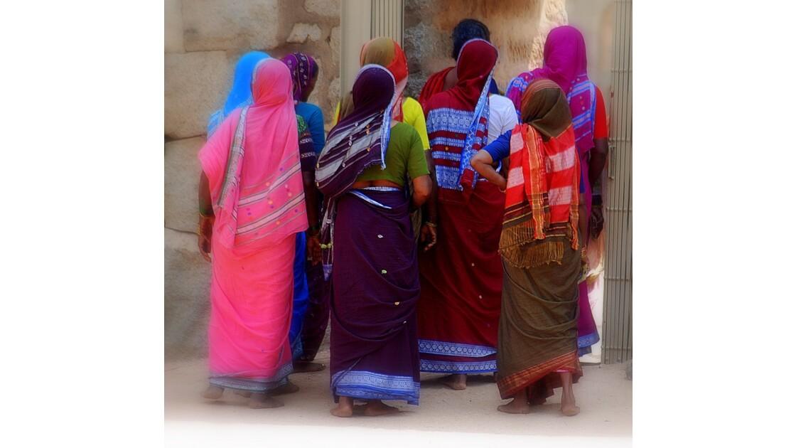 les Saris...et les jolies Indiennes